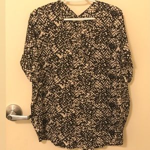 Lush Tops - V Neck spotted Lush blouse